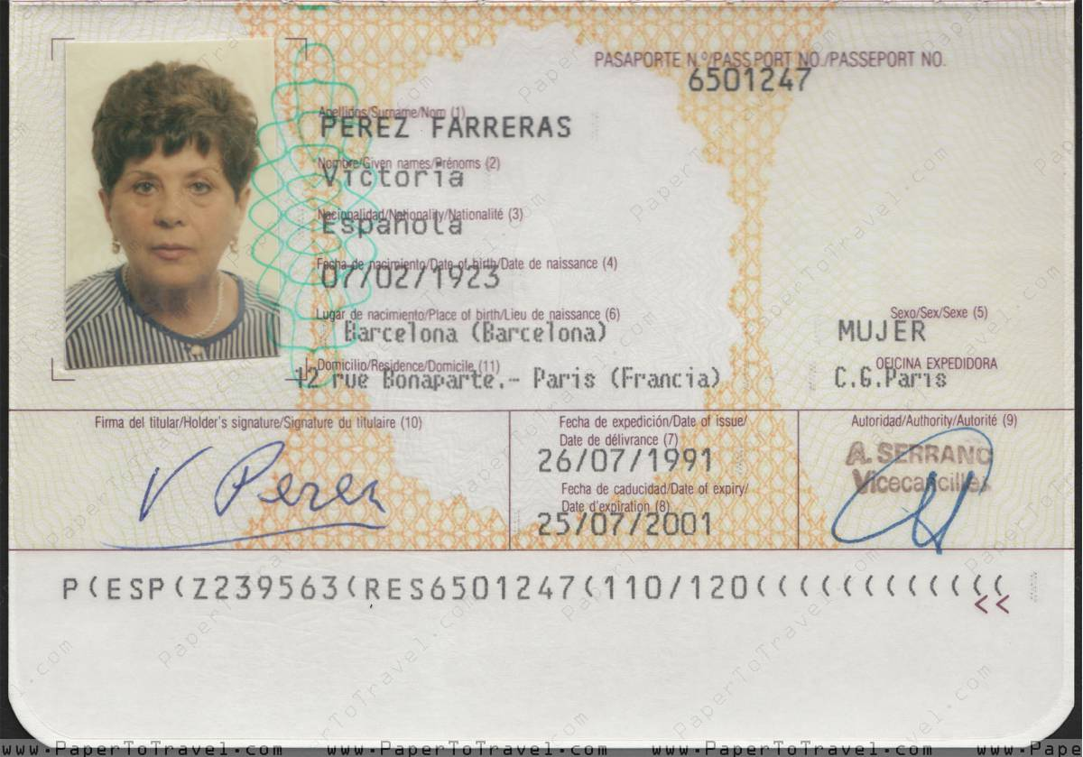 Biodata Page » Spain : Passport \'European Community\' - Issued by ...